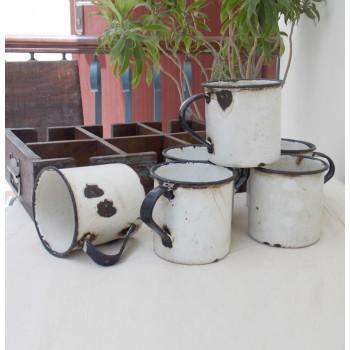 Vintage Inspired Camping Mugs & Tray